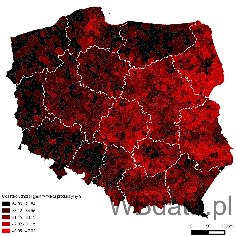 Mapa prezentuje odsetek ludności gmin w wieku produkcyjnym na tle województw w 2013 roku