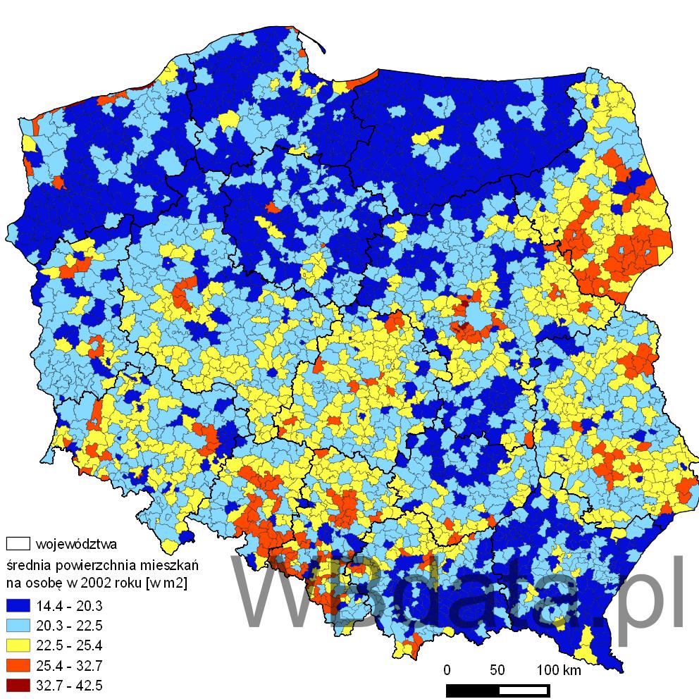 Mapa przedstawia średnią powierzchnię mieszkania na jedną osobę w 2002 roku w gminach