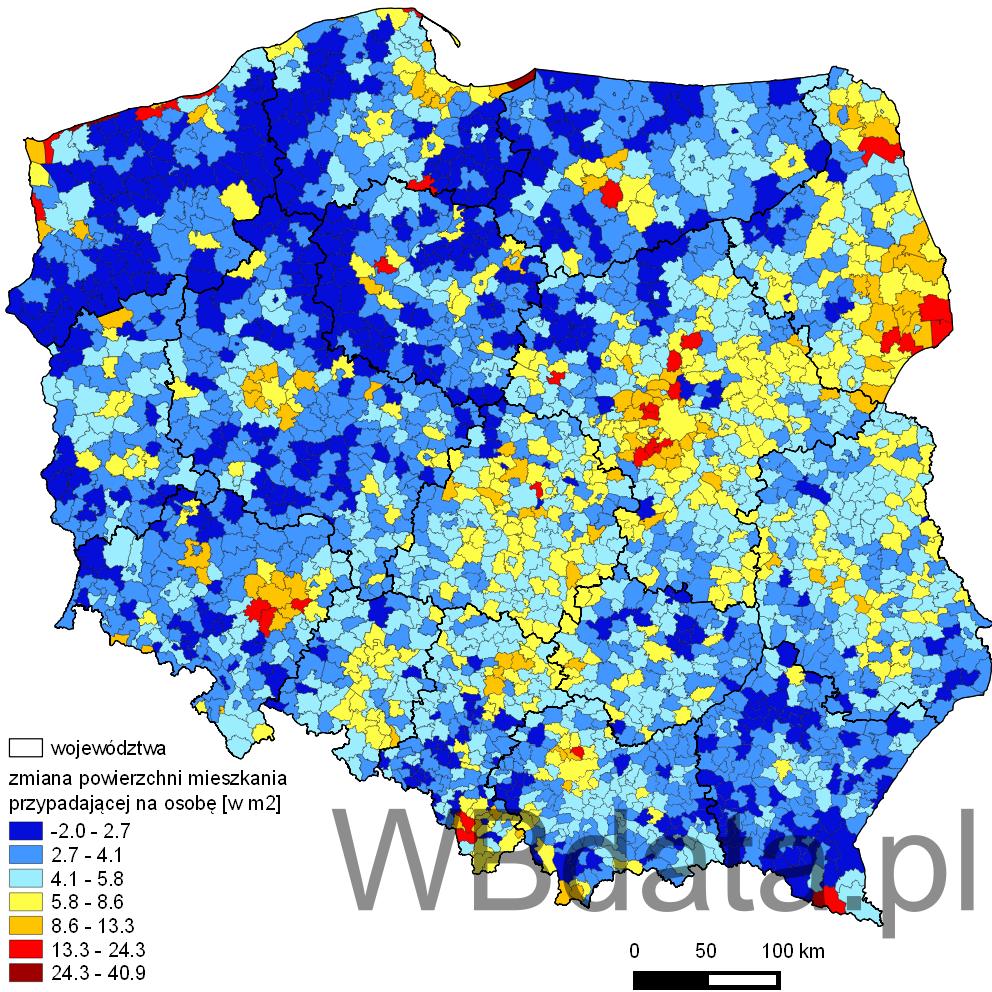Mapa przedstawia zmianę średniej powierzchni mieszkania na jedną osobę w latach 2002-2012