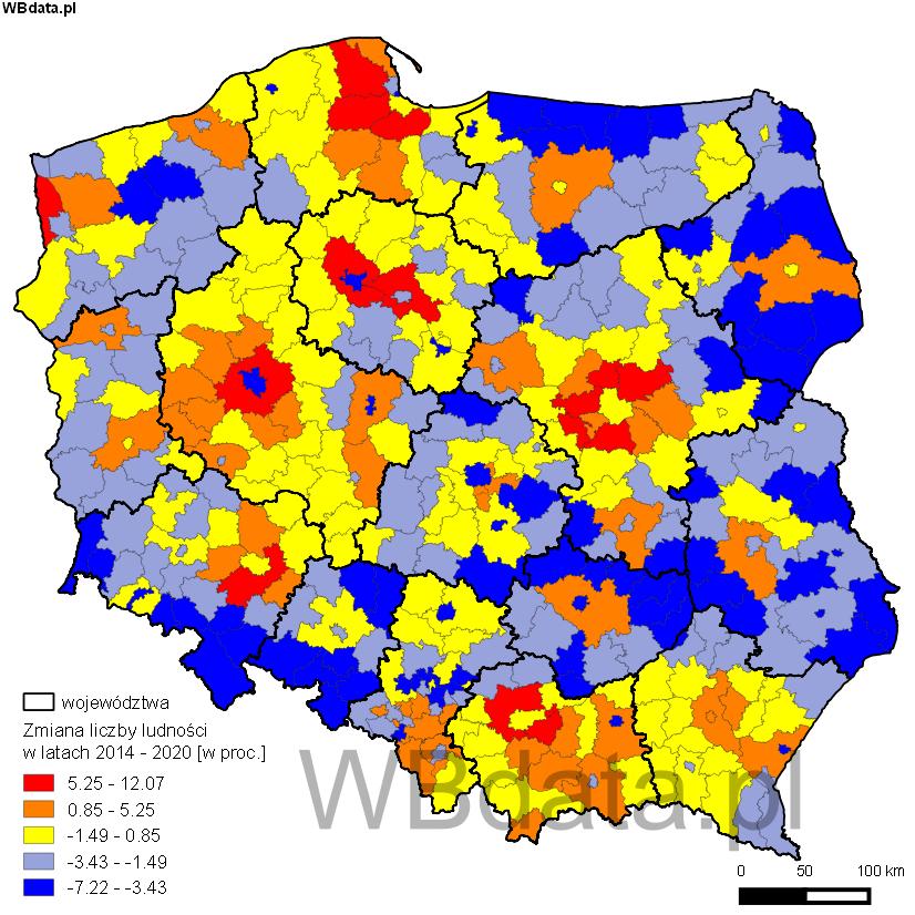 Mapa przedstawia prognozę liczby ludności Polski w podziale na powiaty w 2020 roku.