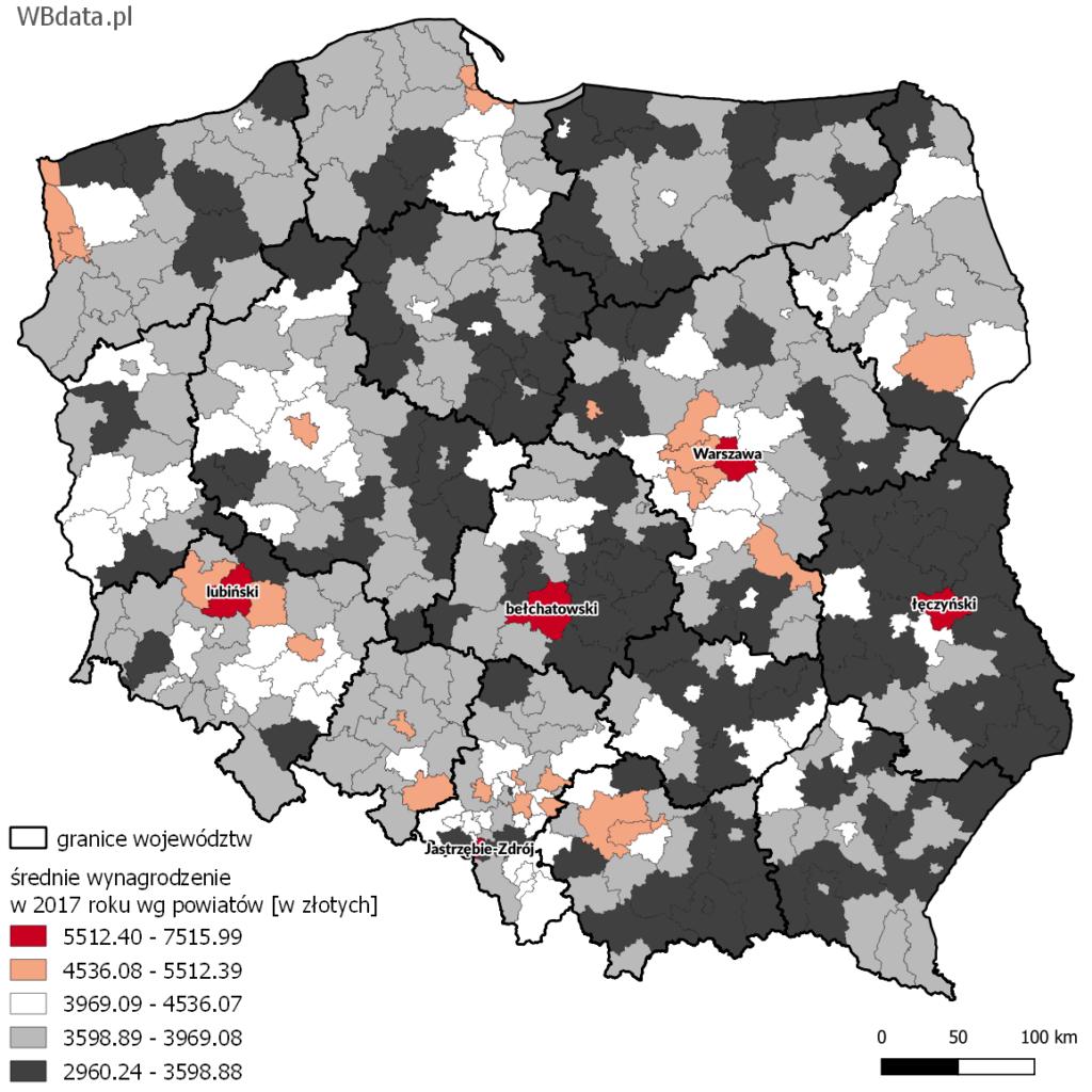 Mapa przedstawia średnie wynagrodzenie w powiatach w 2017 roku