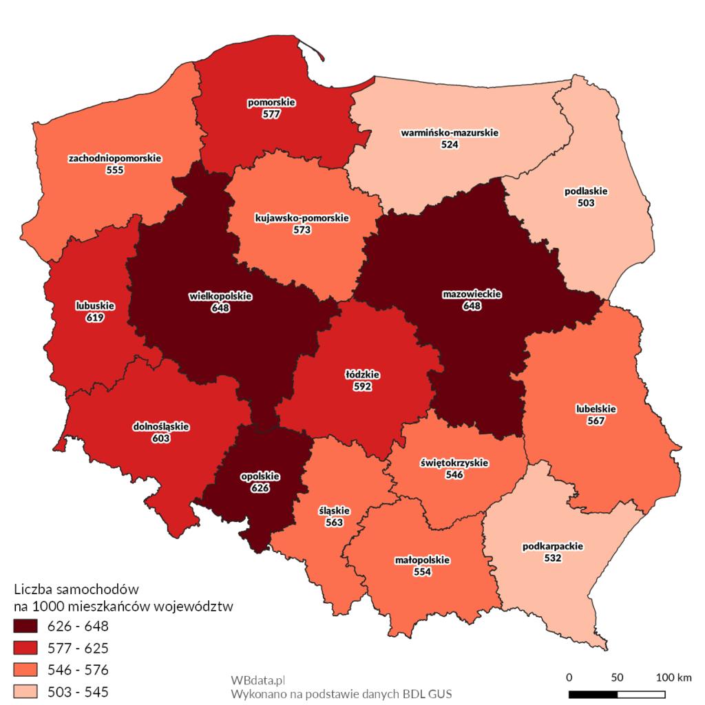 Mapa przedstawia liczbę samochodów osobowych na 1000 mieszkańców województw w 2017 roku