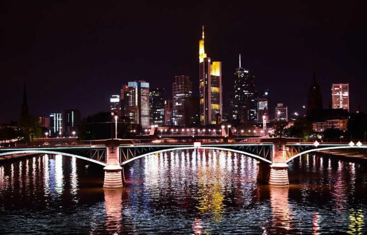 Lotnisko pierwszego wyboru w podróży do Frankfurtu